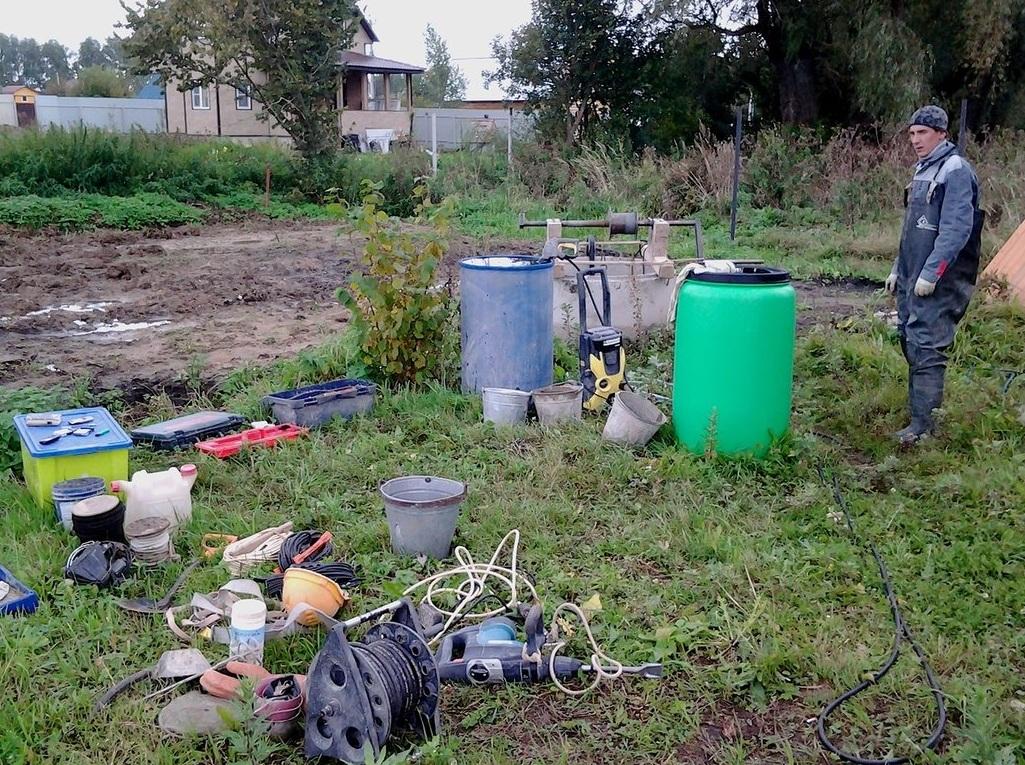 Чистка колодца в Московской области