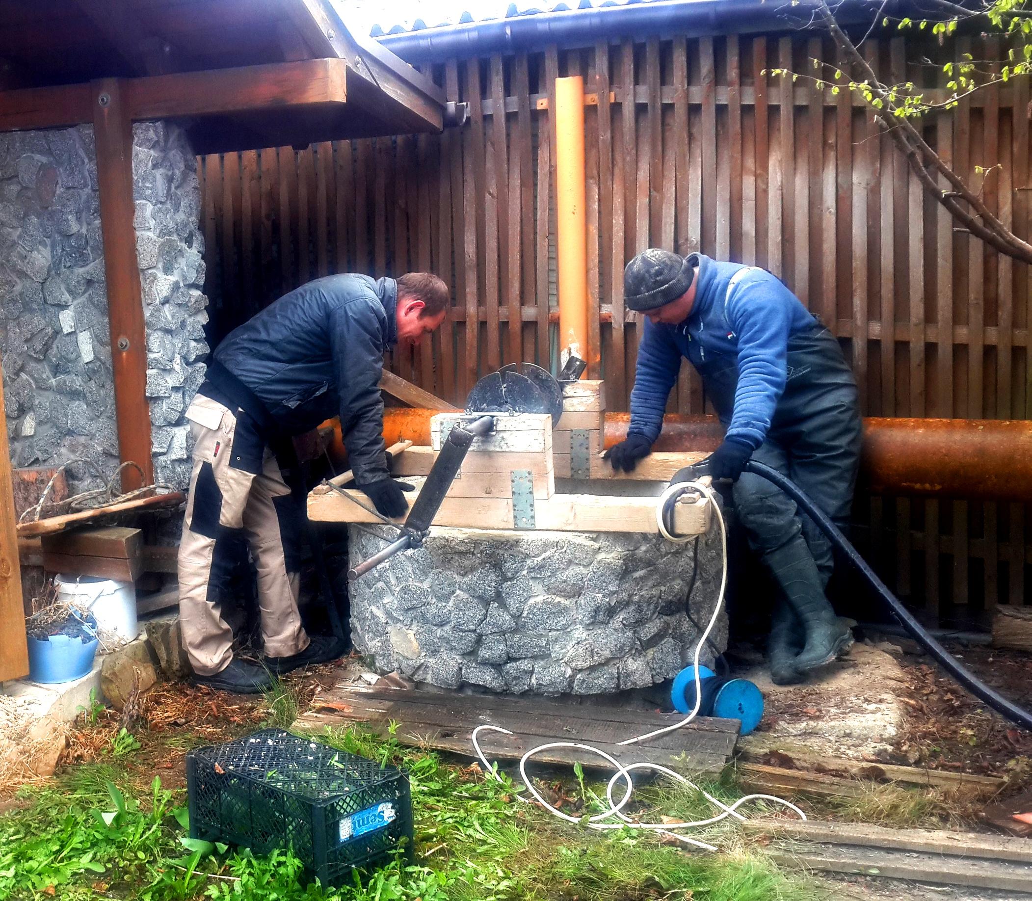 Чистка и ремонт колодца в Марфино