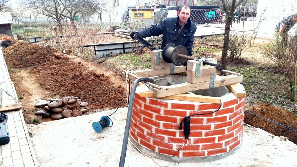 Чистка бетонного колодца в Истринском районе