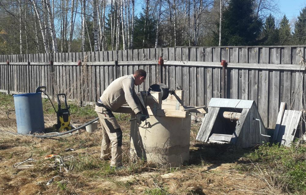 Как почистить колодец из бетонных колец в Балашихе