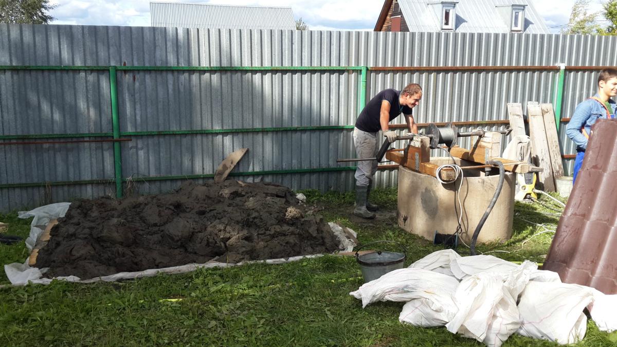 Чистка и ремонт колодца в Московском