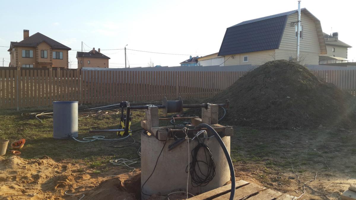 Сколько стоит почистить колодец на даче в Хлюпино